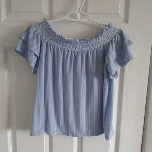 🌼3 for$20🌼 American eagle top with ruffle sleeve